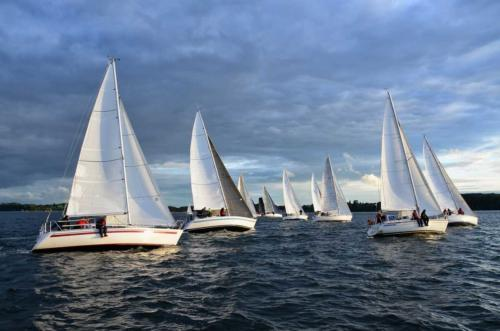 Yachts, boats, masts